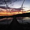 吊り橋からの朝焼け