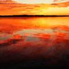 燃ゆる湖面