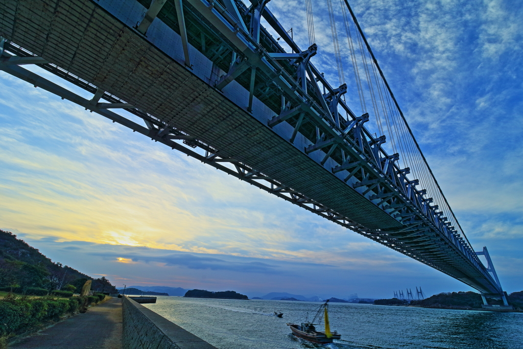瀬戸大橋×朝焼け