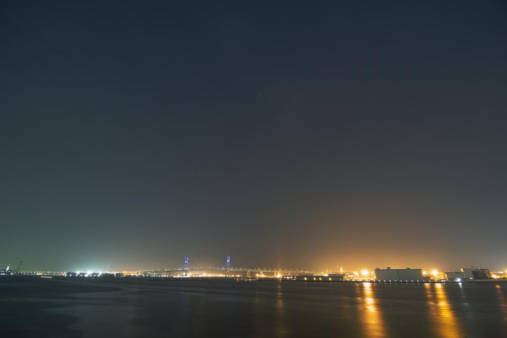 ベイブリッジと夜空