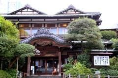 街の歴史的建物:だるま料理店