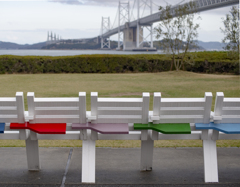 瀬戸大橋と椅子