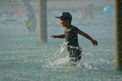 真夏の水遊び