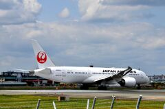 JAL 106