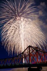 花火と赤橋