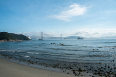 大鳴門橋と浜辺