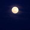 雲がかった月