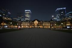 東京駅と苺月