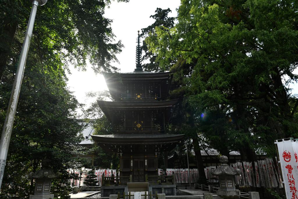 豊川稲荷(妙巌寺)三重塔