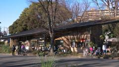 公園のカフェ