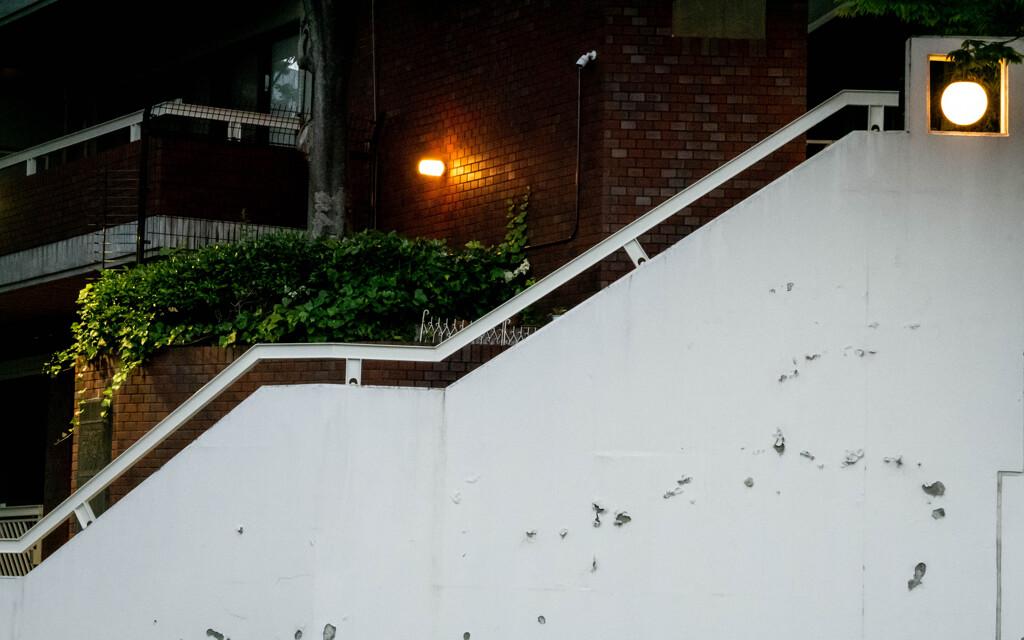 見えなくても階段