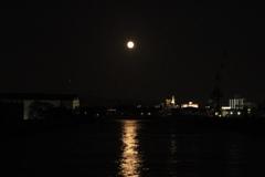 月への航跡
