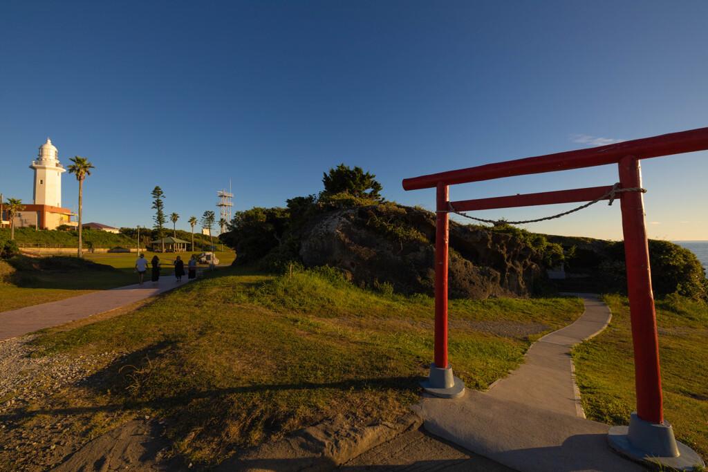 鳥居と灯台
