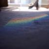部屋の中の虹