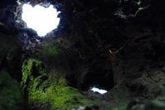 小人の洞窟