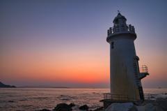 灯台と夕景