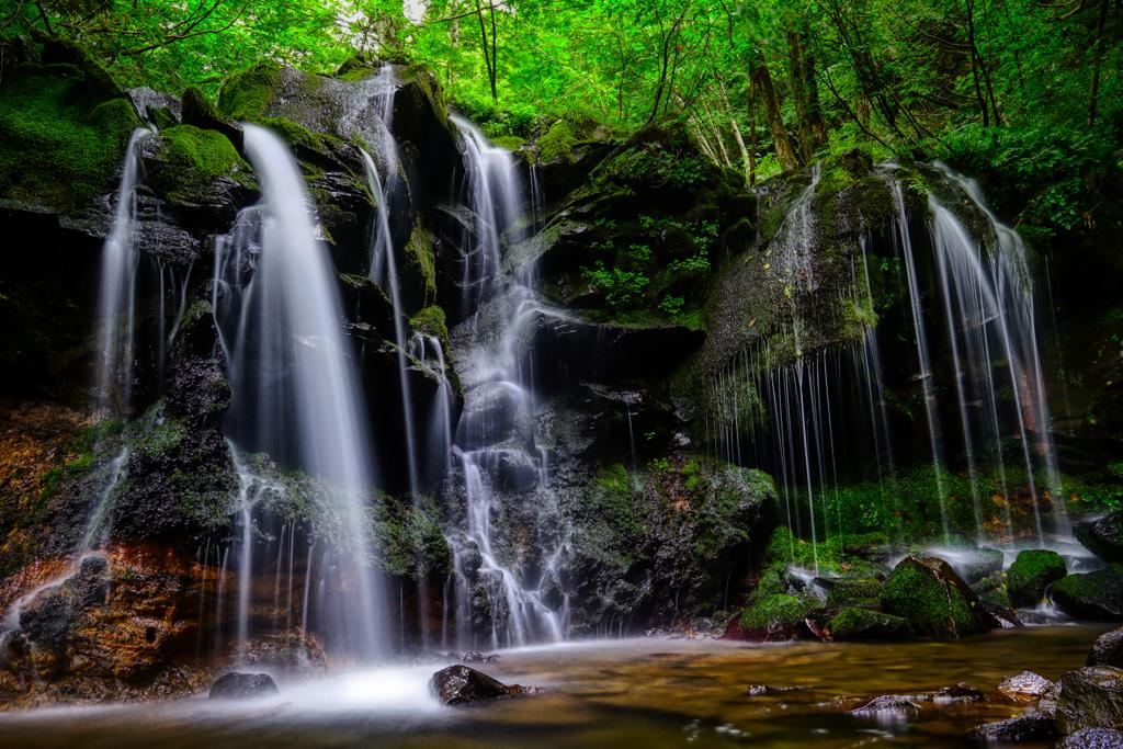 秘境の地 猿壺の滝