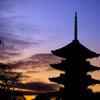 京の夜明け