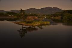 月明の日野川ダム寸景