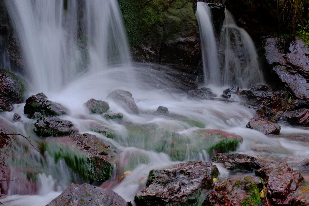 名水百選「瓜割の滝」 6-2