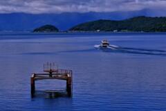 湖上の離島 1