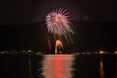 余呉湖の花火 1
