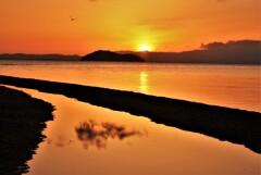 マキノ知内浜の朝日