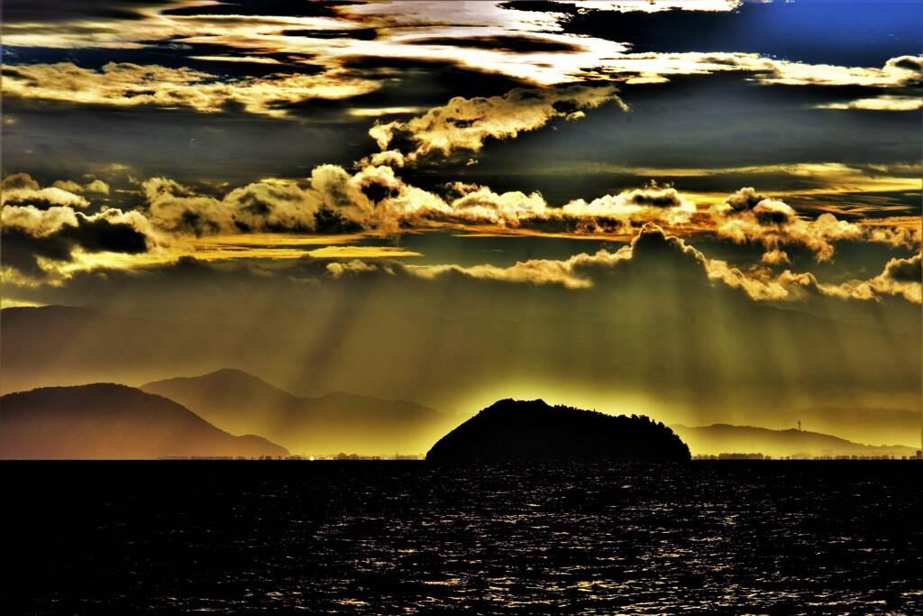 琵琶湖光芒 4