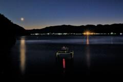 湖の離島 沖島の夕暮れ刻
