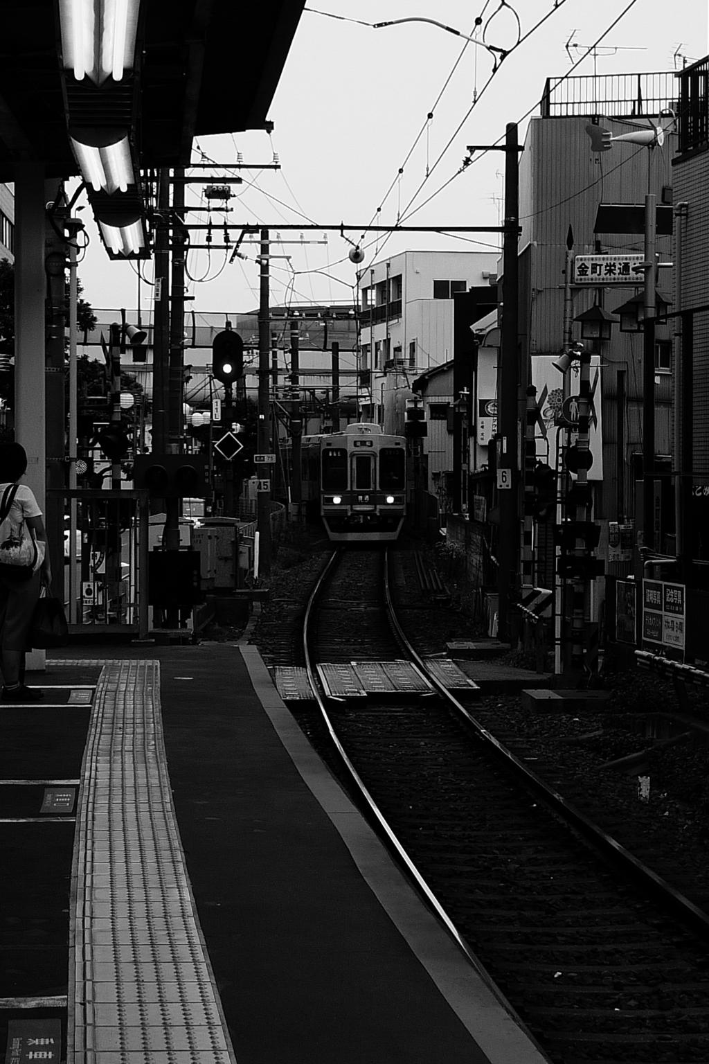 東京の単線電車
