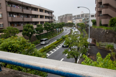 雨に濡れたニュータウン