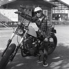 渋いバイクの兄さんだった。