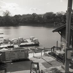 月曜日のボート乗り場