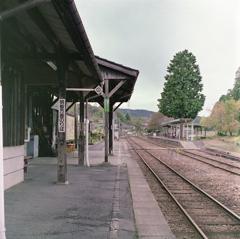 岩村駅ホームの風景