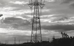 雲と鉄塔の夕景