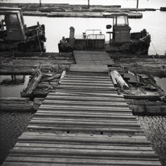 浮き桟橋への渡り