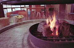薪の炎は暖かい