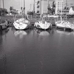 ヨットの揺らめき