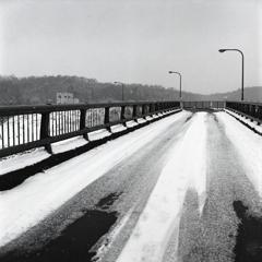 凍てつく橋梁