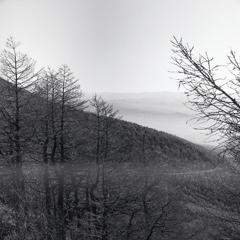 「雲の中の稜線」 ~ブロニカ・モノクロ版