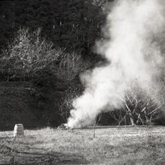 野焼きの煙