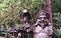 本殿横の恵比寿さん