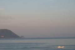朝の志賀島より玄海島を望む