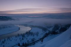 大河の夜明け