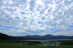 湿原を覆う雲