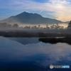 朝靄の燧岳