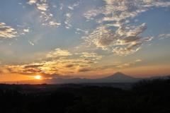 日没 円海山から