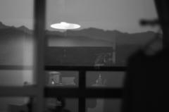 夜明けの窓と生活