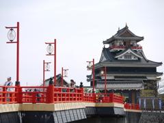 清洲城と赤い橋