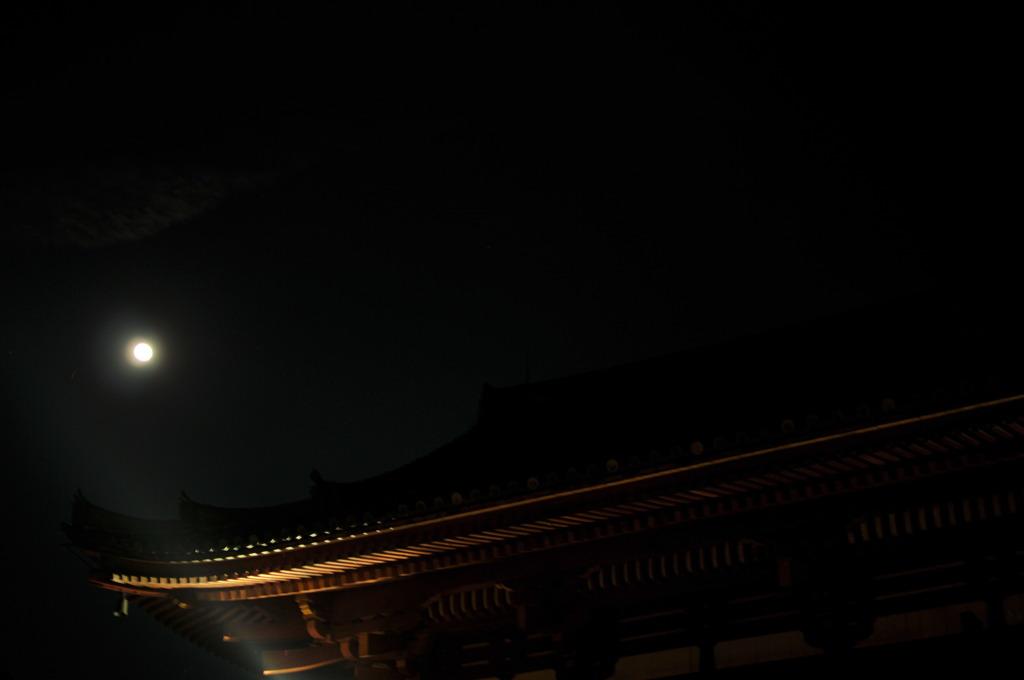 満月を照らして